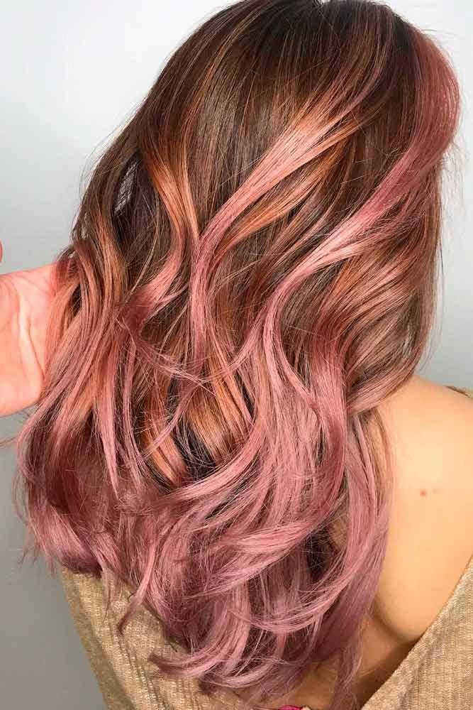 Brown Hair With Strawberry Pink Highlights Wavyhair Hairhighlights Brownhair Pink Hair Color Is Full O Brown Blonde Hair Brown Hair Colors Hair Highlights
