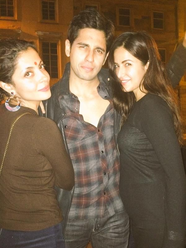 Sidharth Malhotra and Katrina Kaif with director Nitya Mehra at #BaarBaarDekho wrap up party. #Bollywood #Fashion #Style #Beauty #Hot #Handsome
