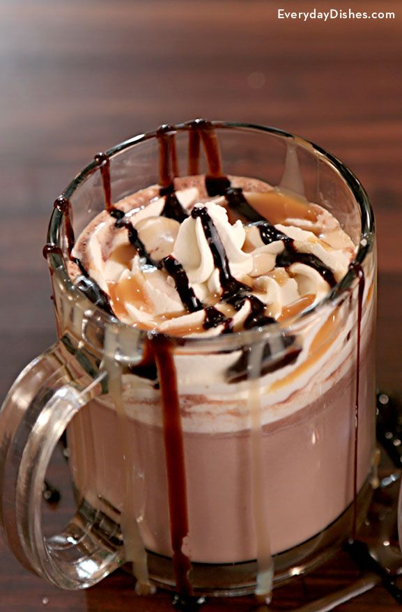 As much as we love our cold weather cocktails, once in a while it's fun to exchange the traditional Irish coffee for something with a little more pizzazz. That's precisely why we invented our salted caramel hot chocolate cocktail recipe. Come fall and winter, it's the sugar and spice and everything nice of adult beverages.