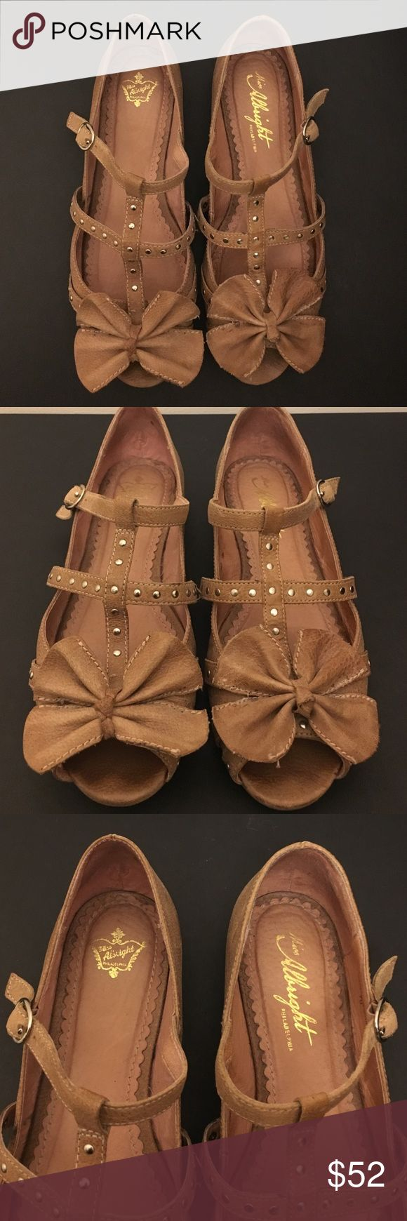 Miss Albright gladiator flats Size 7 tan leather gladiator flat. Peep toe with bow in front. Great condition! Miss Albright  Shoes Flats & Loafers