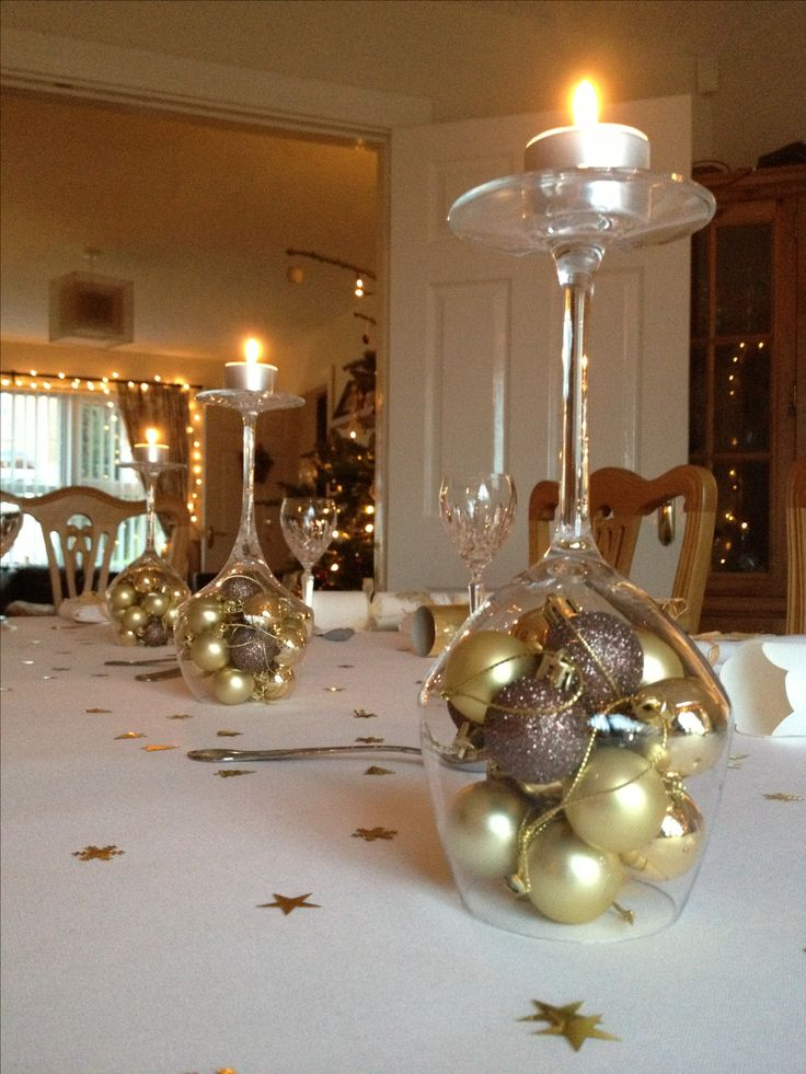 Easy Christmas table decoration!