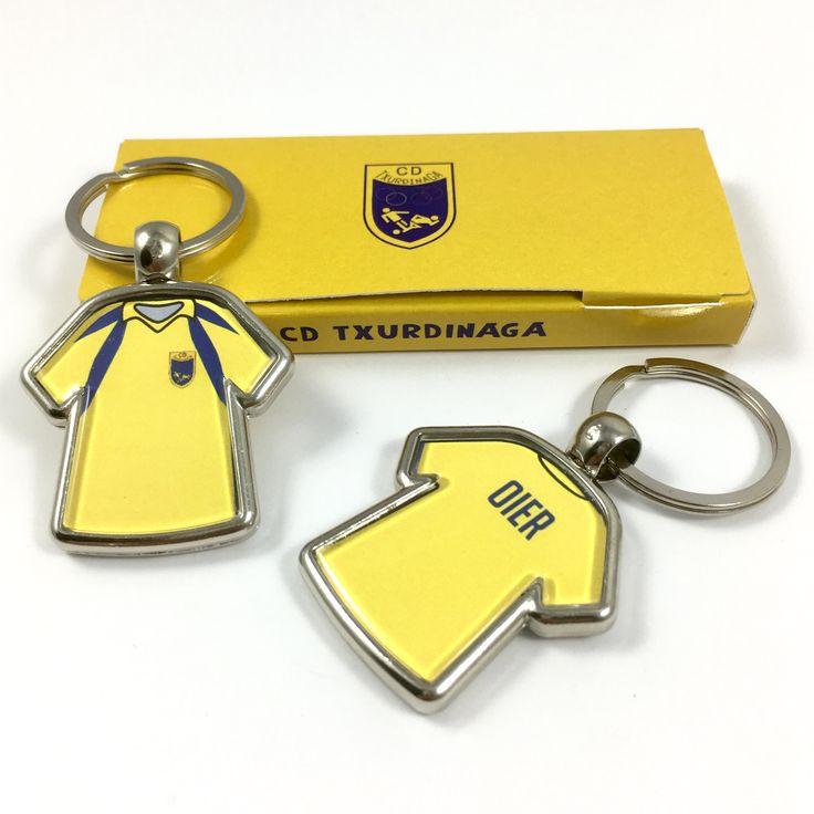 #llaverocamiseta con #caja #packaging #personalizado para #club #deportivo #llavero #metalico #regalopersonalizado