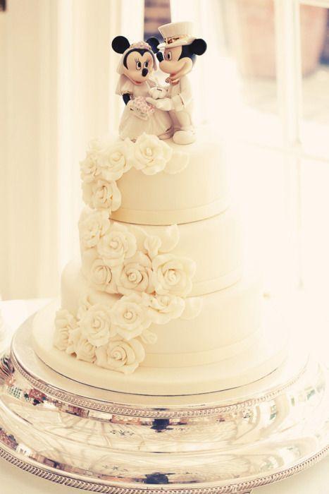 夢の国にトリップ♡ディズニーモチーフのウェディングケーキをあつめましたにて紹介している画像