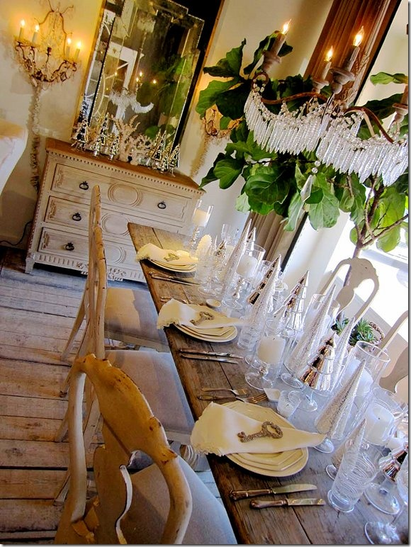 adore this setting..: Dining Rooms, Rustic Elegant, Shabby Chic Christmas, Farmhouse Table, Rustic Tables, Wood Tables, French Country Style, Dinning Rooms, Farms Tables