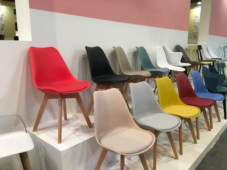 Sillas modernas, en todos los colores y lo mejor una silla cómoda!!