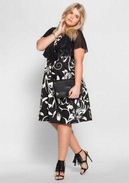 Koktejlové šaty s květinovým vzorem, sheego Style #avendro #avendrocz #avendro_cz #fashion #summer #partyoutfit