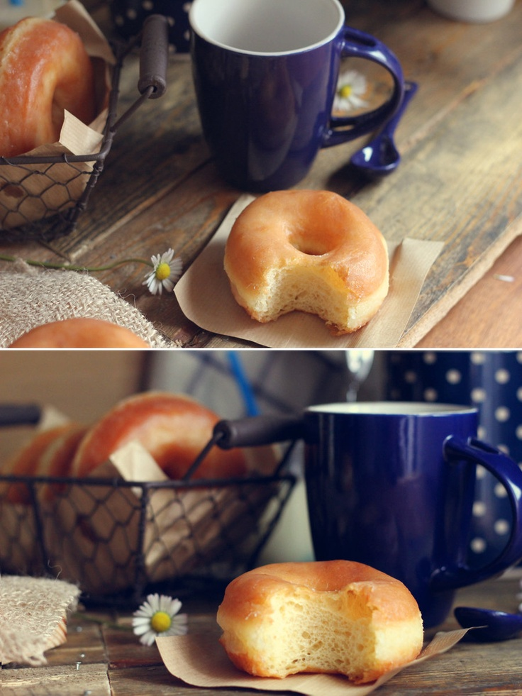 these donuts look amazing, and if you know some spanish you just might be able to make them! =D