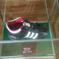 HAND SIGNED FOOTBALL BOOT SIGNED BY JIMMY GREAVES  - 1 + ADD TO CART - See more at: http://www.kcsportsevents.com/product/shoes/#sthash.pFDvIcvN.dpuf