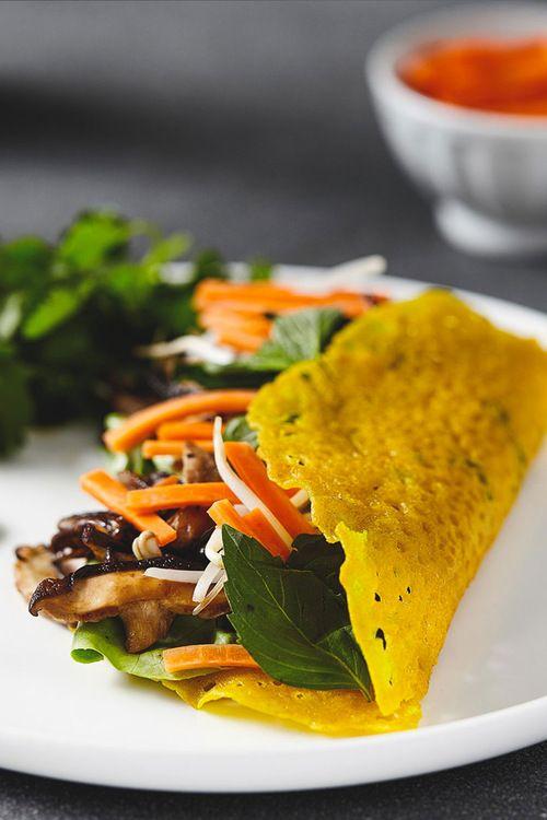Crispy Vietnamese Crepes (Banh Xeo)