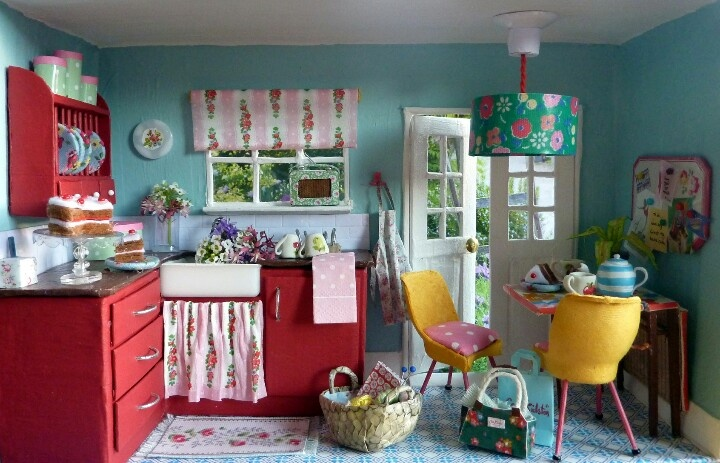 Cath kidston room in a shoe box craft for Cath kidston kitchen ideas