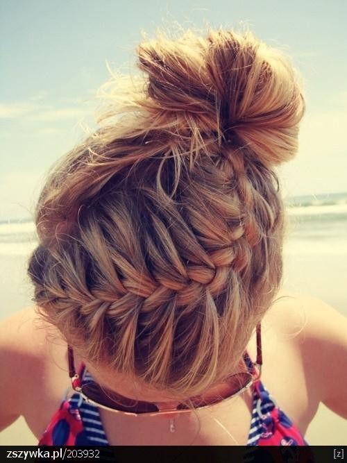 Zobacz zdjęcie Włosy, warkocz, fryzura. w pełnej rozdzielczości