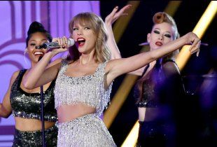 Taylor Swift performs 'Shake It Off' for the first time at the 2014 MTV Video Music Awards in Inglewood, California.