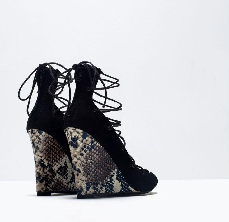 CHAUSSURES COMPENSÉES À LANIÈRES EN CUIR IMPRIMÉ - Chaussures - Femme - SHOES & BAGS | ZARA France