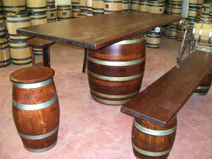 1267 - #Tavolo da #birreria e #osteria da 2 metri con #panca a corredo o #sgabelli treppiede e a #botte. Tel.0547 310171