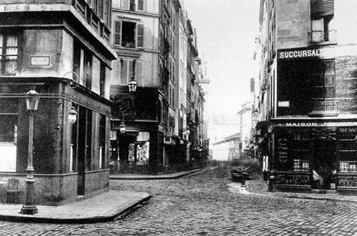 image de paris en noir et blanc en 1850 : le carrefour de l'odeon au XIX e siecle
