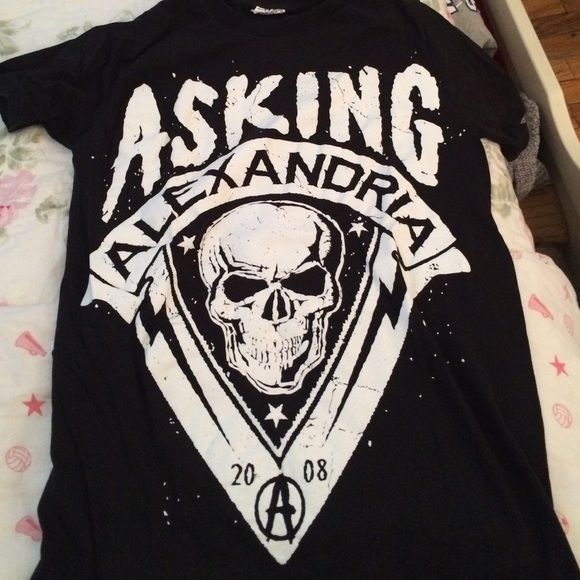 Asking Alexandria black band tee New asking Alexandria tee shirt! Used once & in good condition. It's from Hot topic & its size xs. Hot Topic Tops Tees - Short Sleeve