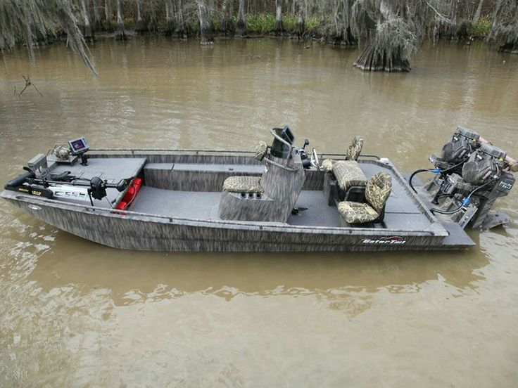 Gator-tail boats