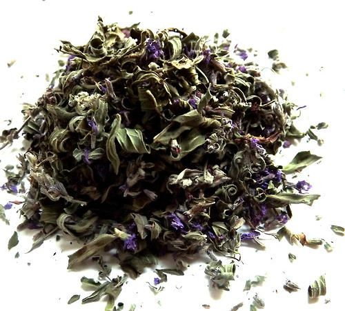 How to Make Custom Herbal Tea Blends and DIY Natural Home Remedies