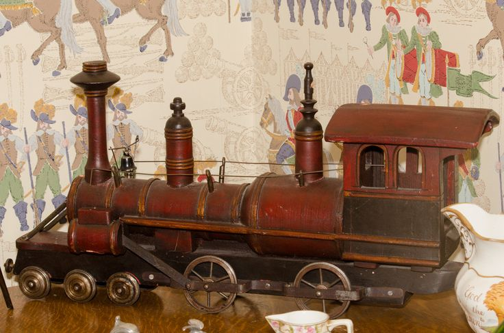 Toy Train  http://www.martysmegapixels.pro/product-shots/2016/toy-train