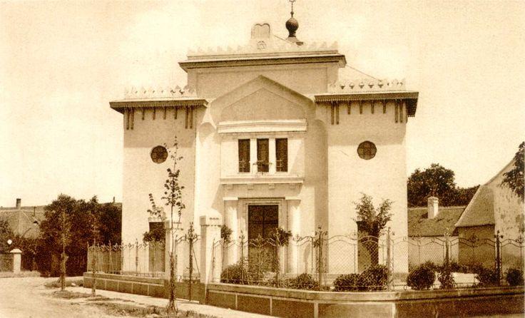 Nagykőrös Neológ synagogue in Pest-Pilis-Solt-Kiskun county,