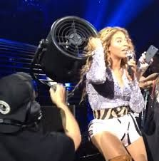 Beyonce Fan Causes Stresses to her Tresses. Click to read more: http://www.bubblews.com/news/854421