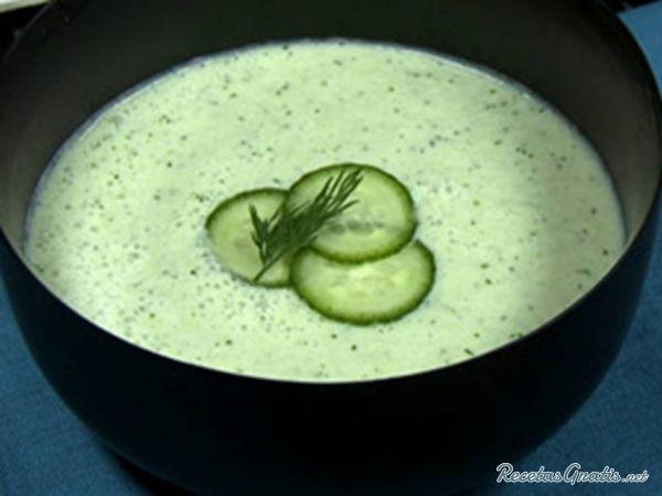 Crema de pepino fria -  http://www.recetasgratis.net/Receta-de-CREMA-DE-PEPINO-receta-29964.html