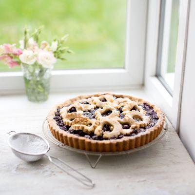 Blueberry & hazelnut torte