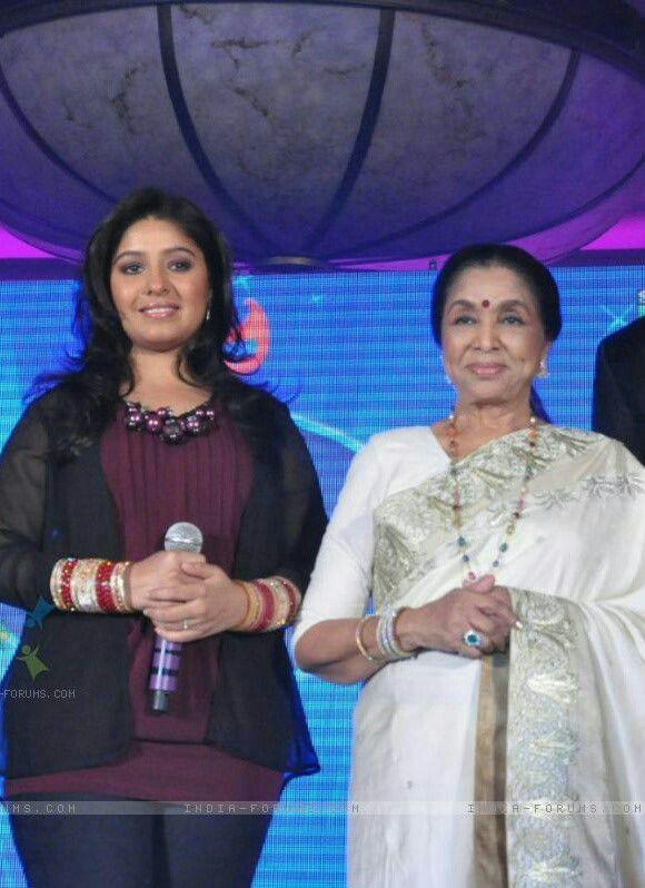 Sunidhi Chauhan & Asha Bhosle