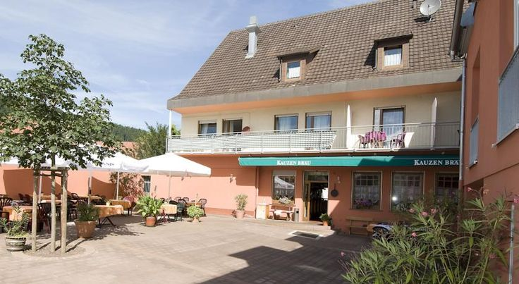 Hotel Landgasthof Franz Kreuzwertheim This country guest house offers comfortably furnished accommodation in Kreuzwertheim. It lies at the edge of the Bavarian Spessart Nature Park, 300 metres from the banks of the River Main.