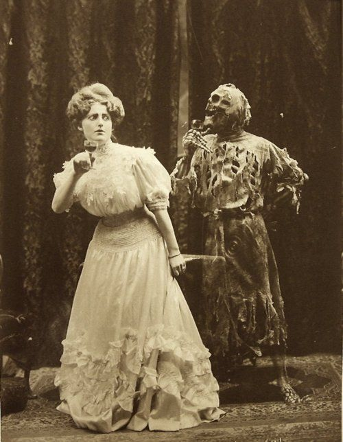 This old victorian halloween photos are amazing
