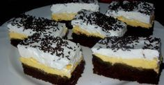 Mennyei Karnevál szelet recept! Nagyon finom főzött krémmel készült habos sütemény. Családunk kedvence.