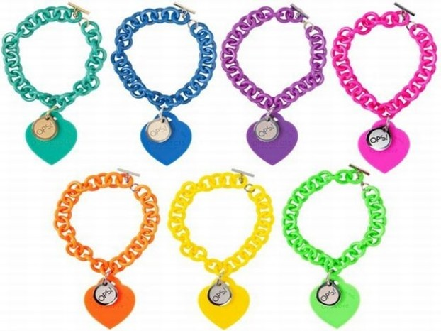 Bracciali Ops: cuori colorati per la moda dell'estate.  http://www.arturotv.tv/accessori/gallery-bracciali-ops-cuori-colorati-moda-estate/bracciali-ops-cuori-colorati-per-la-moda-dell