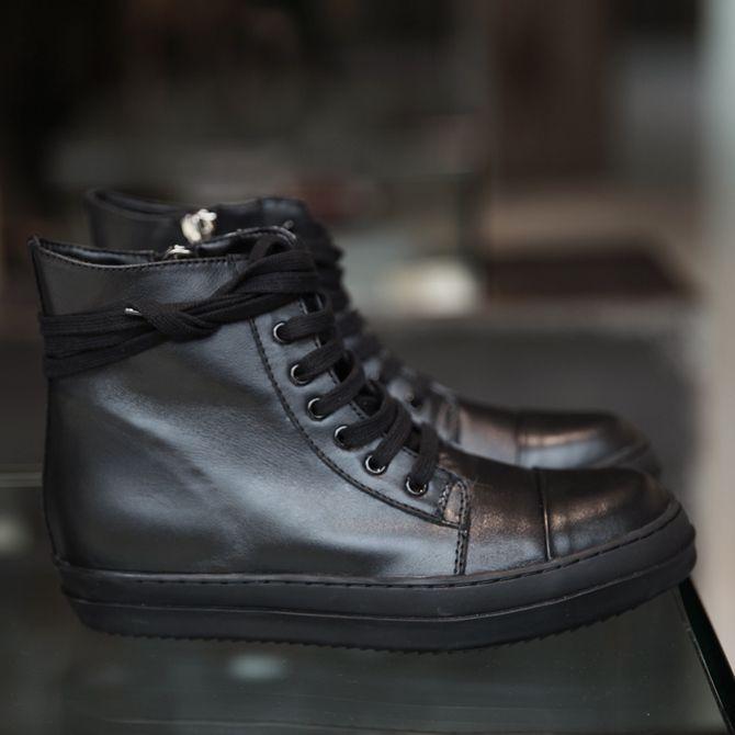 Мужская обувь: http://fashion.lumbi.com/muzhskie-sapogi/item_20151721644.html?catID=10213&mart=2&aff=982&saff=pinterest