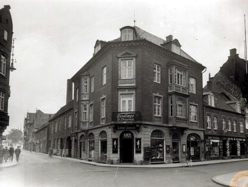 Hjørnet af Sct. Mathias Gade og Gravene 1935.