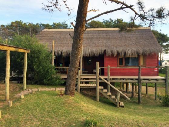 Alquilá una bella cabaña para tus vacaciones en Punta del Diablo.  #Alquiler #Cabaña #PuntadelDiablo