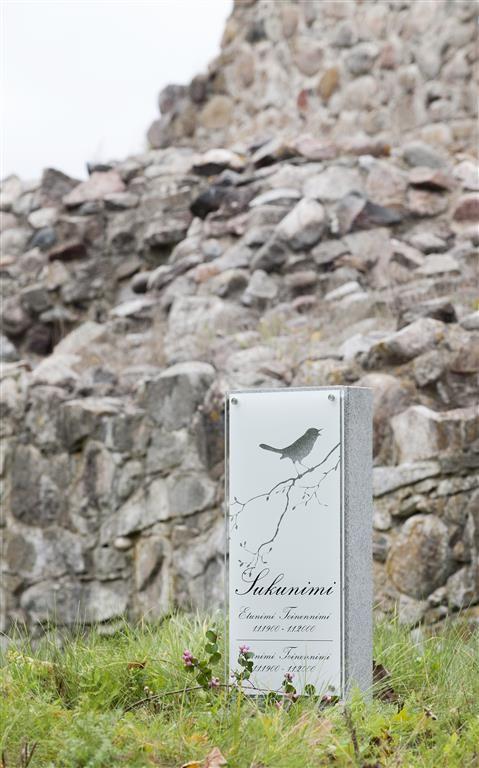 Lasinen hautakivi (malli Hile) Glassy memorial stone / Grave stone glass (model Hile)