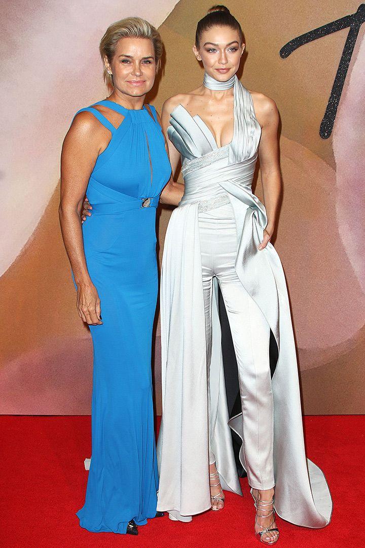 British Fashion Awards 2016: Todos los looks de los invitados  http://stylelovely.com/galeria/todos-los-looks-los-invitados-los-british-fashion-awards/