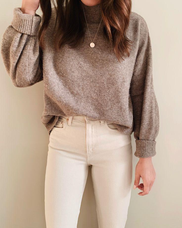 Sweater and white jeans #whitedenim #sweater #fallootd