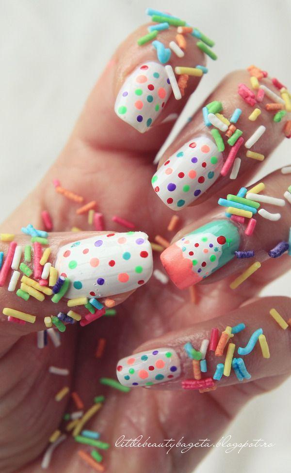 Adorable nails... #nail #unhas #unha #nails #unhasdecoradas #nailart #gorgeous #fashion #stylish #lindo #cupcake #sweets #doces #polkadot #dots #bolinhas #colorful #colorido