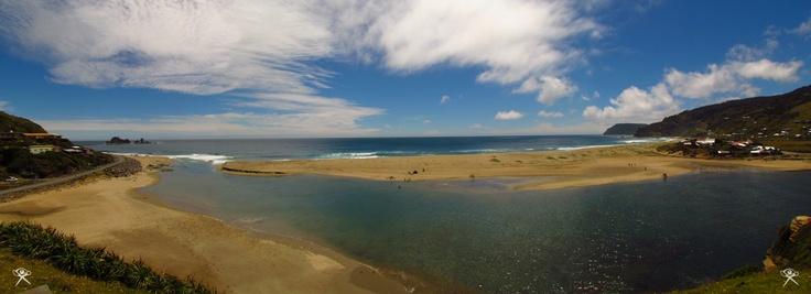 "© ""Pucatrihue Beach"". By REG ®"