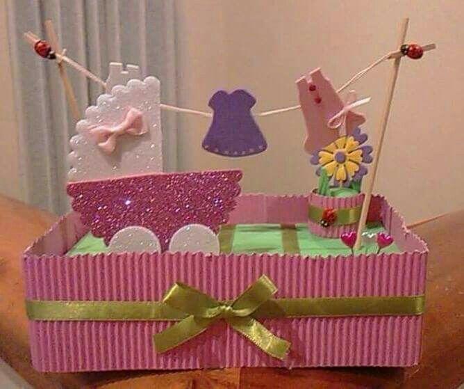 Centro de mesa o adorno no comestible para torta