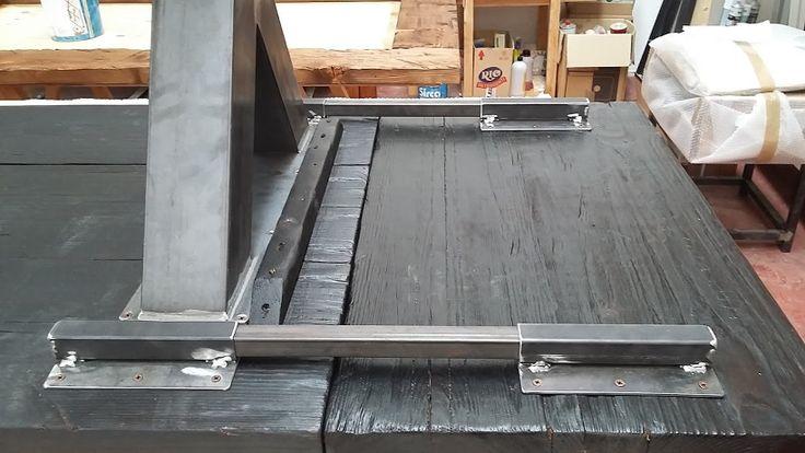 tavolo design in legno carbonizzzato