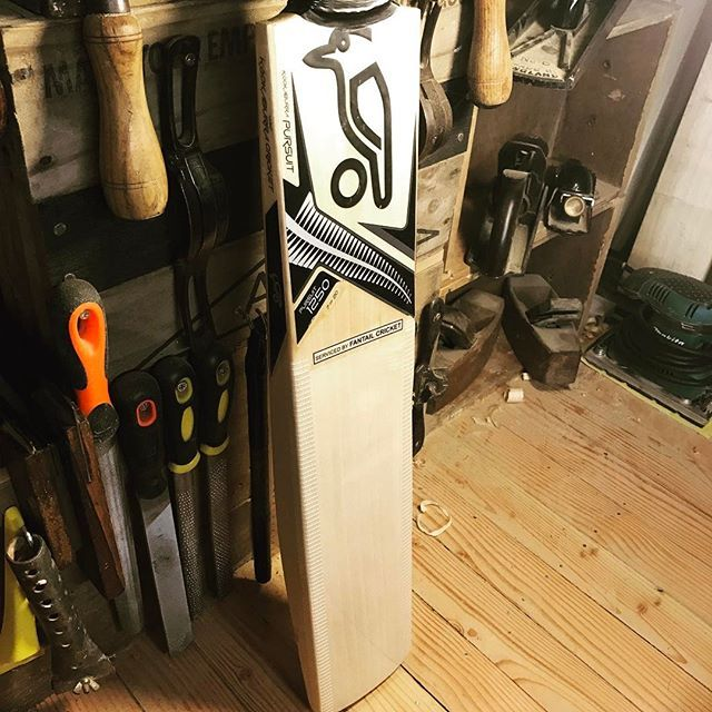 Face clean up and crack #repair on this #kookaburra pursuit 1250 #cricket bat. #fantailcricket #workshop