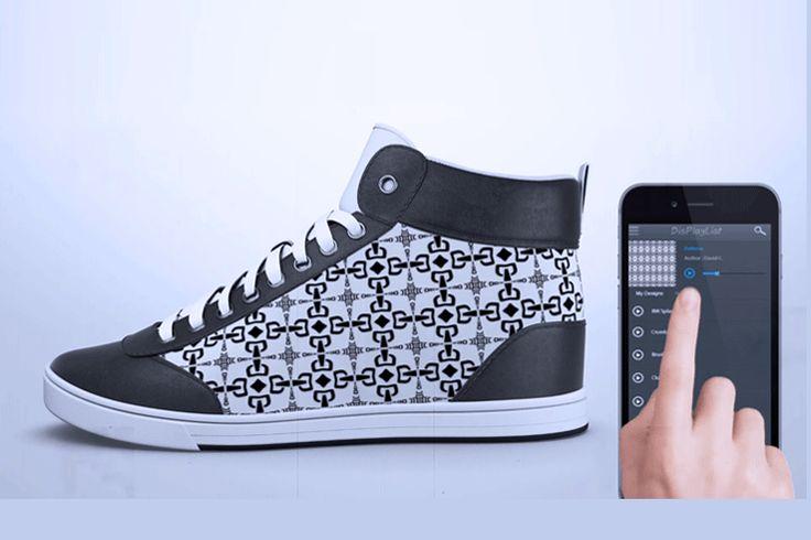 Следуя всеобщему тренду на диджитал-инновации, нью-йоркский стартап ShiftWear разработал хай-тек кроссовки с HD дисплеями, которые могут показывать любые изображения и анимацию. Кроссовки беспроводным способом сопряжены с приложением на смартфоне (iOS, Android и Windows) или планшете, где каждый может выбрать внешний вид своей обуви. Создать статический дизайн или раскрасить экраны мерцающей цветной или черно-белой анимацией – выбор за Вами.  Что бы Вы не выбрали, дизайн моментально…