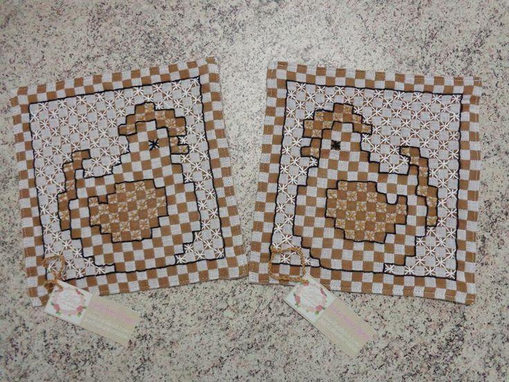 Bordado em tecido xadrez - Pegador de panela