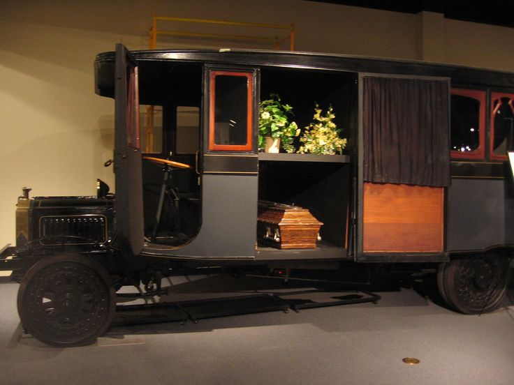 1926 Packard funeral bus
