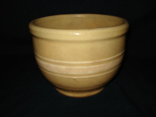 1000 Images About Brush Mccoy On Pinterest Cookie Jars Mccoy Pottery Vases And Diamond Pattern