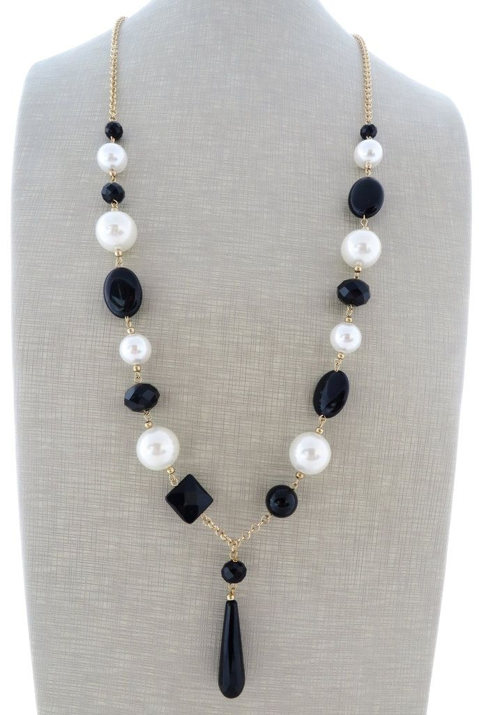 Long pearl necklace, black onyx necklace, beaded necklace, dangle earrings, gemstone jewelry, italian jewelry, black and white jewelry by Sofiasbijoux on Etsy