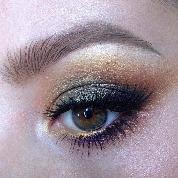 "168 Likes, 5 Comments - Школа макияжа FaceTime СПб (@sofia_baburina) on Instagram: ""#makeup #instamakeup #cosmetics #fashion #eyeshadow #lipstick #mascara #eyeliner #lips #eyes…"""