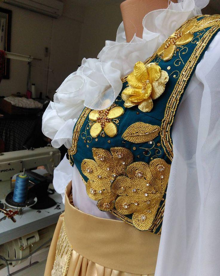 Onbir Ayın Sultanı Hoşgeldinnn! #Arnavut#yeleği#sim#simsarma#gold#sim#şalvar#düğün#dernek���� http://turkrazzi.com/ipost/1523773697431817102/?code=BUliBrBgcuO